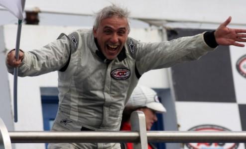 Tomasello festeja como loco su segundo éxito