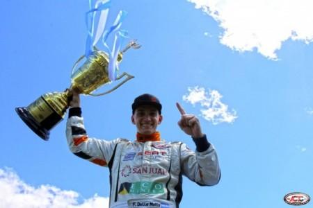 El titulo en el TC Mouras le permitió al sanjuanino Facundo Della Motta llegar al TC Pista. Es una de las buenas incorporaciones de la categoría.